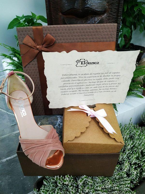 Tarjeta regalo zapatos personalizados